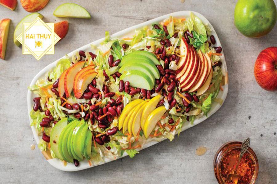 Buổi tiệc báo hỷ mang trọn nét đẹp phương Tây với các món Salad mới lạ