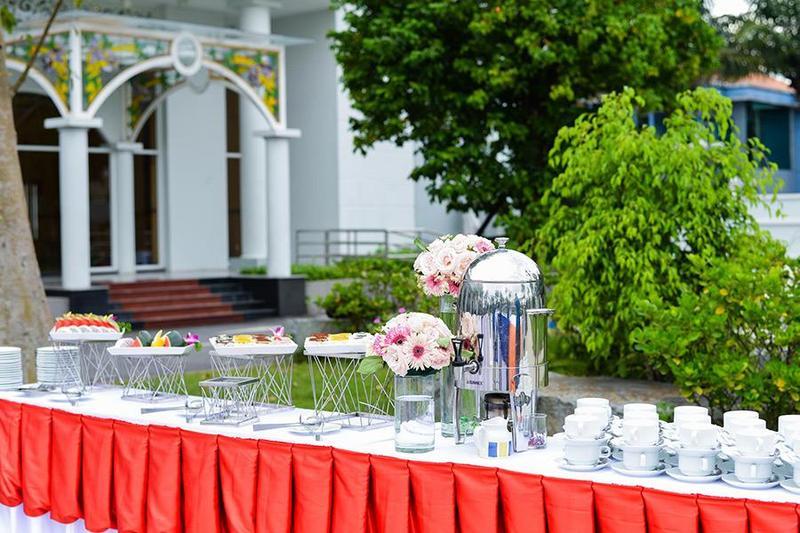 Cùng Hai Thụy Catering tổ chức tiệc tân gia ngoài trời đầy ấm cúng và ý nghĩa