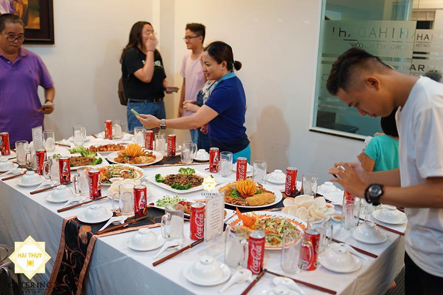 Những lợi ích khó lòng bỏ qua khi đặt tiệc tân gia quận 5 tại Hai Thụy Catering